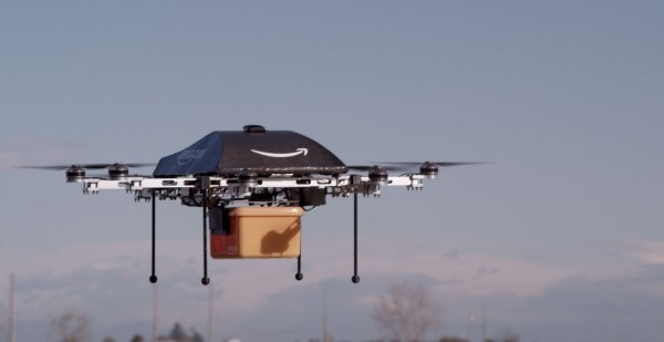 Drohne Amazon Prime Air in der Luft
